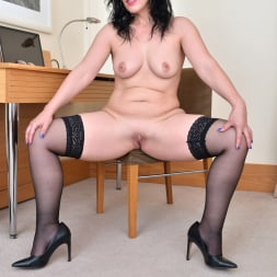Montse Swinger in 'Anilos' Sexy Business Lady (Thumbnail 12)