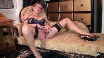 Mrs Huntingdon Smythe in 'Simple Pleasures'