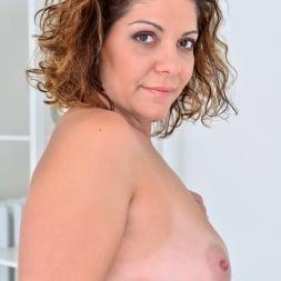 Nicol in 'Anilos' New Comer Nicol (Thumbnail 9)