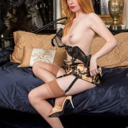 Nicole Hart in 'Anilos' Show Off (Thumbnail 12)