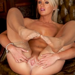 Nikkii G in 'Anilos' She Likes It Her Way (Thumbnail 14)