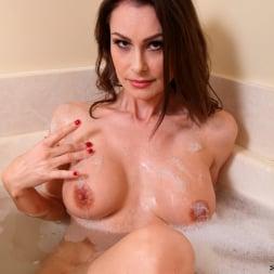 Nora Noir in 'Anilos' Wet Pussy Rub (Thumbnail 9)