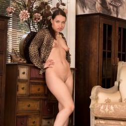 Olga Cabaeva in 'Anilos' One Hot Cougar (Thumbnail 15)