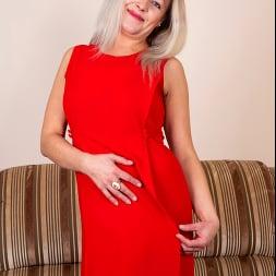 Olga Leona in 'Anilos' If It Feels Good (Thumbnail 1)