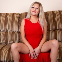 Olga Leona in 'Anilos' If It Feels Good (Thumbnail 3)