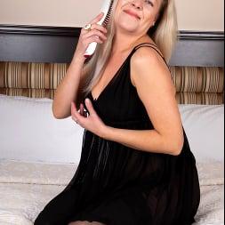 Olga Leona in 'Anilos' Just For You (Thumbnail 3)