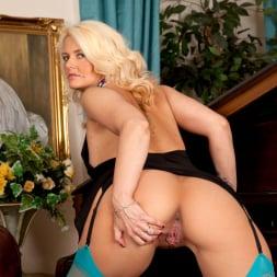 Olivia Jayne in 'Anilos' Busty Blonde (Thumbnail 7)
