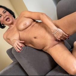Olivia Westervelt in 'Anilos' Private Pleasures (Thumbnail 14)