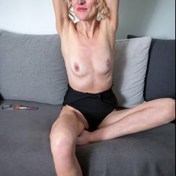 Peggy in 'Anilos' Like What You See (Thumbnail 4)
