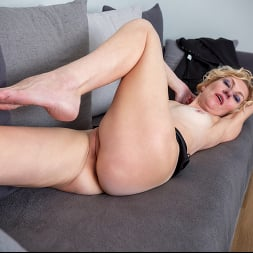 Peggy in 'Anilos' Like What You See (Thumbnail 10)
