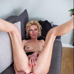 Peggy in 'Anilos' Like What You See (Thumbnail 15)