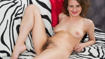 Princess Mustang in 'Hairy Pussy'