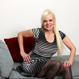 Rebecca Nolan in 'Anilos' Tickled Pink (Thumbnail 1)