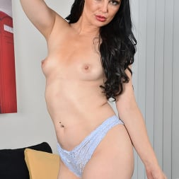 Roxee Couture in 'Anilos' Taking It All Off (Thumbnail 9)