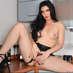 Roxee Couture in 'Anilos' Want To Taste (Thumbnail 13)