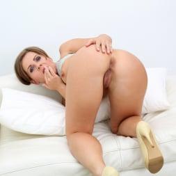Sasha Zima in 'Anilos' Sexy Sasha (Thumbnail 12)