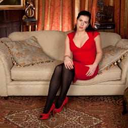 Sharlyn in 'Anilos' Lady In Red (Thumbnail 3)