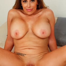 Sienna Lopez in 'Anilos' Busty Mature (Thumbnail 12)