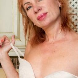 Silvia in 'Anilos' Luscious Silvia (Thumbnail 5)