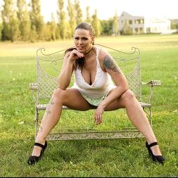 Simony Diamond in 'Anilos' Pussy In The Park (Thumbnail 3)