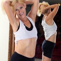 Skowshi in 'Anilos' Sexy Workout (Thumbnail 3)