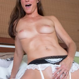 Sofie Marie in 'Anilos' Naturally Sexy (Thumbnail 10)