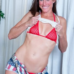 Sofie Marie in 'Anilos' Tight Body Milf (Thumbnail 4)