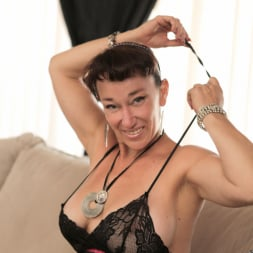 Sugar Sweet in 'Anilos' Big Tit Mature (Thumbnail 3)