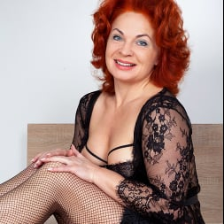 Sunny in 'Anilos' Black Lace (Thumbnail 1)