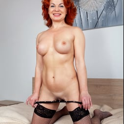 Sunny in 'Anilos' Black Lace (Thumbnail 8)