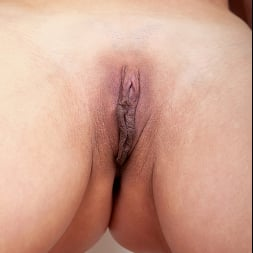 Sunny in 'Anilos' Black Lace (Thumbnail 15)