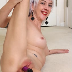 Sylvia S in 'Anilos' Cum For You (Thumbnail 15)