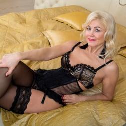 Sylvie in 'Anilos' Black Lingerie (Thumbnail 3)