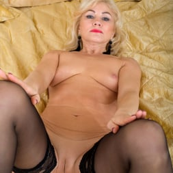 Sylvie in 'Anilos' Black Lingerie (Thumbnail 10)