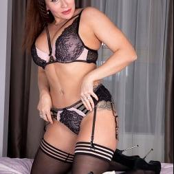 Tanya Foxxx in 'Anilos' Intimate Desire (Thumbnail 4)