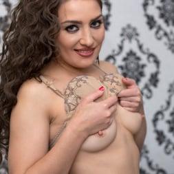 Tanya S in 'Anilos' Dark Haired Beauty (Thumbnail 6)
