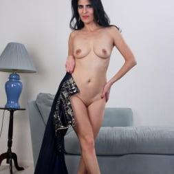 Theresa Soza in 'Anilos' Mature Beauty (Thumbnail 9)