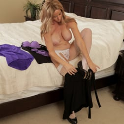 Totally Tabitha in 'Anilos' Change Of Clothes (Thumbnail 3)