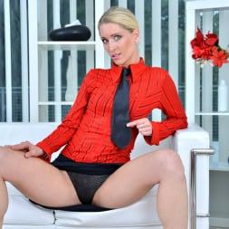 Uma Zex in 'Anilos' Sexy Blonde (Thumbnail 2)