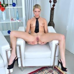Uma Zex in 'Anilos' Sexy Blonde (Thumbnail 12)