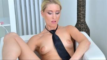 Uma Zex in 'Sexy Blonde'