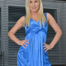 Vanessa Hell in 'Anilos' Vision In Blue (Thumbnail 2)