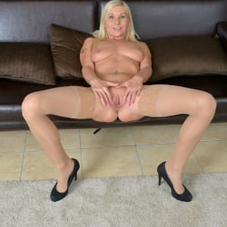 Vanessa Hell in 'Anilos' Vision In Blue (Thumbnail 12)