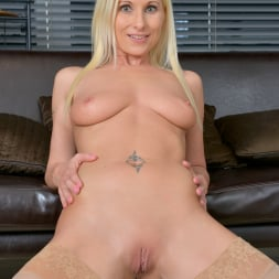 Vanessa Hell in 'Anilos' Vision In Blue (Thumbnail 13)