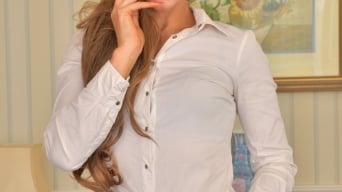 Vanessa Jordan in 'Hit The Spot'