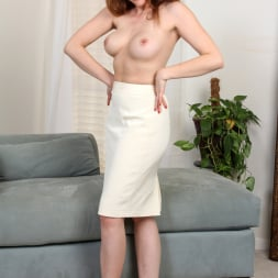 Veronica Shaw in 'Anilos' Naked Fun (Thumbnail 5)