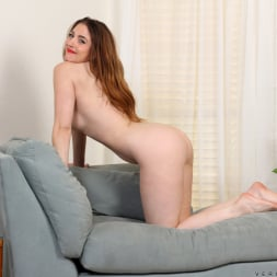 Veronica Shaw in 'Anilos' Naked Fun (Thumbnail 10)