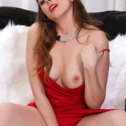 Veronica Shaw in 'Anilos' Watch Me Cum (Thumbnail 5)