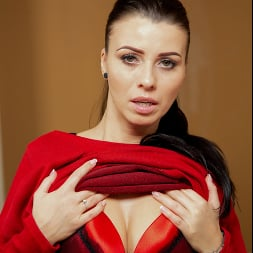 Vicky Love in 'Anilos' Naturally Sexy (Thumbnail 3)
