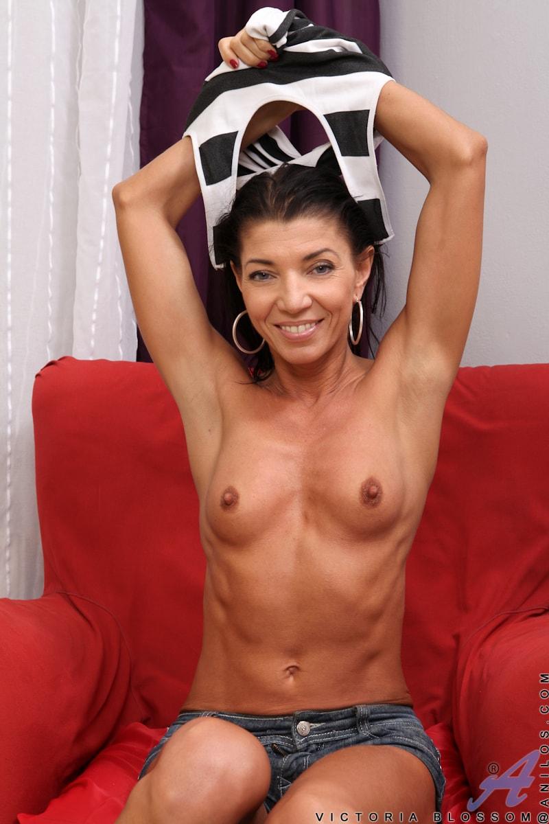 Anilos 'Perky Tits' starring Victoria Blossom (Photo 5)